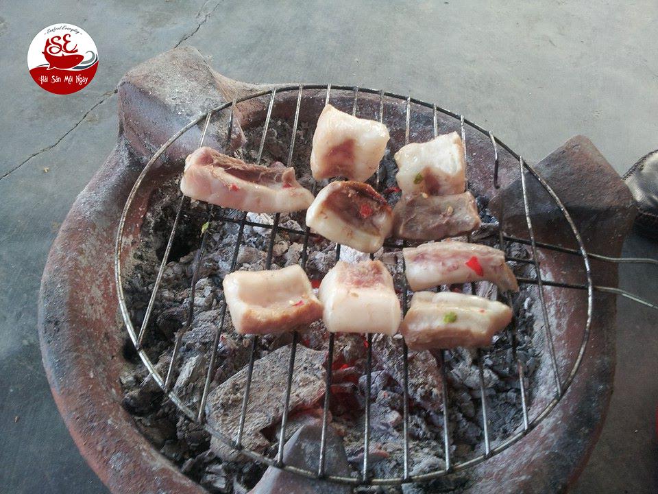 gân cá ngừ đại dương nướng