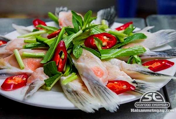 Vây cá hồi nấu lẩu