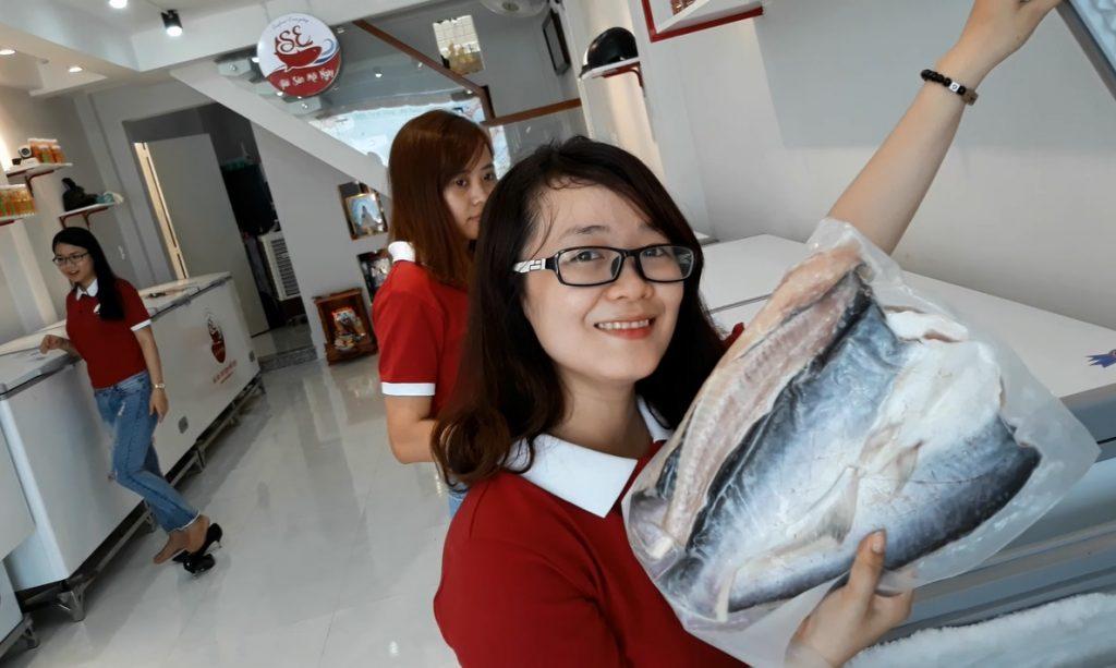 khai trương cửa hàng hải sản mỗi ngày